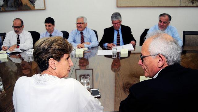 Comité político en La Moneda.