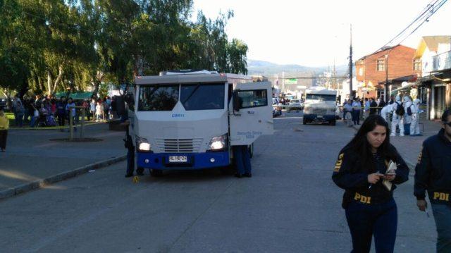 Un vigilante muerto y otro herido tras asalto a camión de valores en pleno centro de Purén