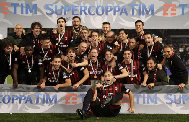 Fernández campeón de la Supercopa con AC Milan  / AFP