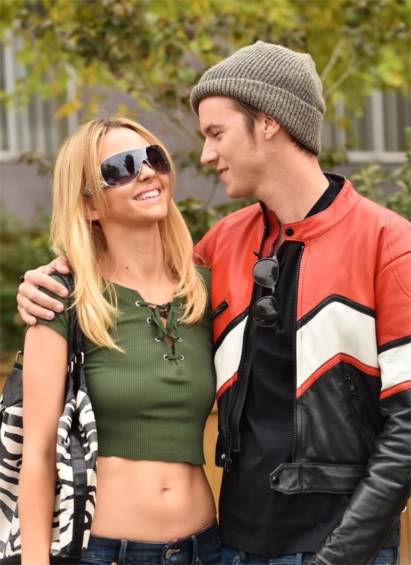 Natasha como Britney junto a Nathan Keyes como Justin Timberlake | Lifetime