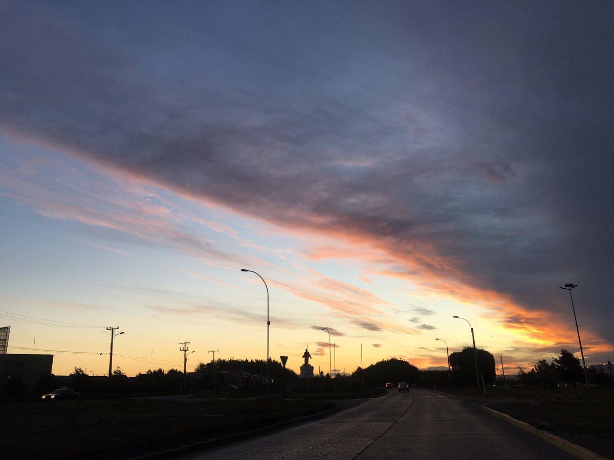 Punta Arenas, 22:25 PM | @pinguinodiario | Twitter