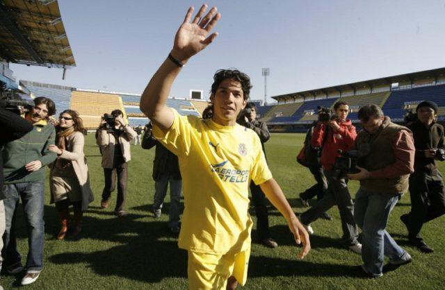 Fernández presentado en Villarreal / Archivo AFP