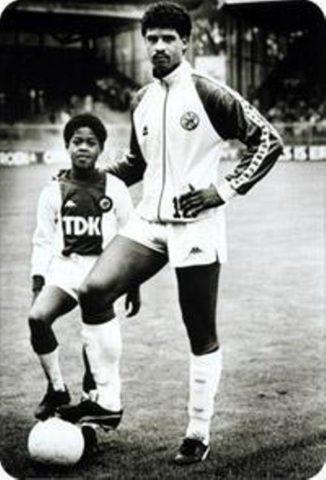 Kluivert y Rijkaard en el Ajax