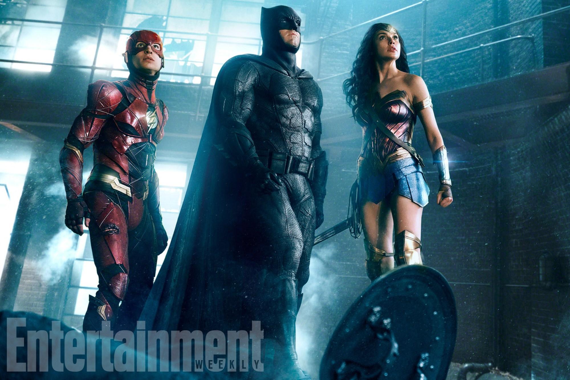 """Nueva foto de """"La Liga de la Justicia"""" muestra a Flash junto a Batman y Wonder Woman"""