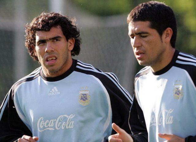 Juan Román Riquelme y Carlos Tévez | Agence France-Presse