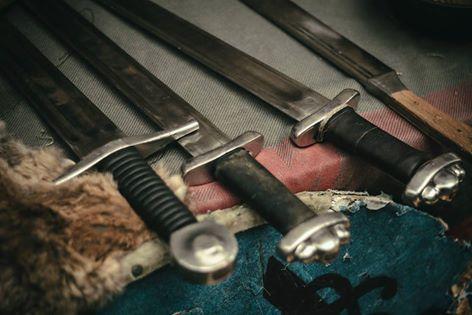 Espadas medievales robadas a Cuervos de Odin