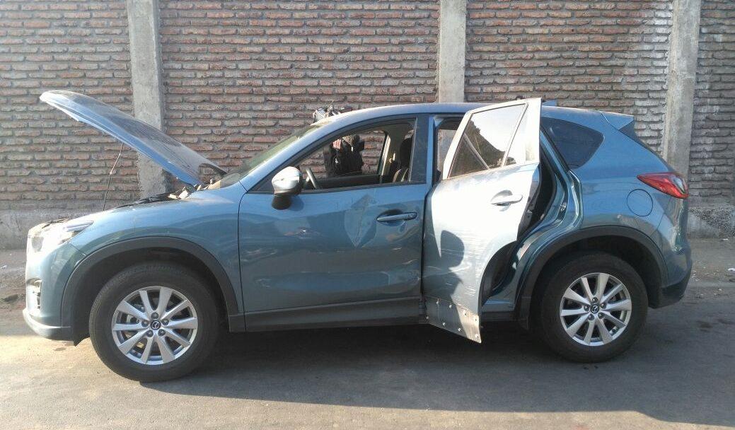 Vehículo Mazda encontrado junto al BMW | C. Borcosky | RBB