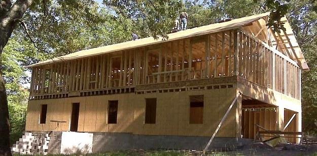 Proceso de construcción de casa de Cara Brookins