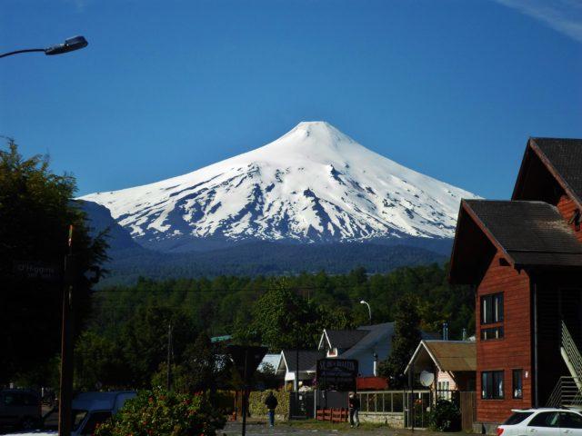 volcan_villarica_desde_la_ciudad_de_puco