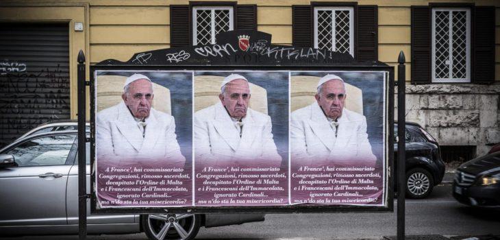 Resultado de imagen para afiches contra papa francisco roma