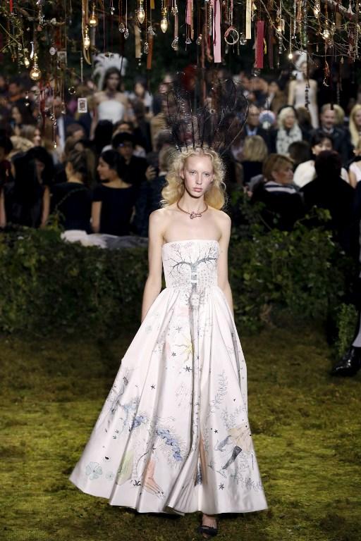 Vestido presentado durante desfile de Dior en enero | Francois Guillot | AFP