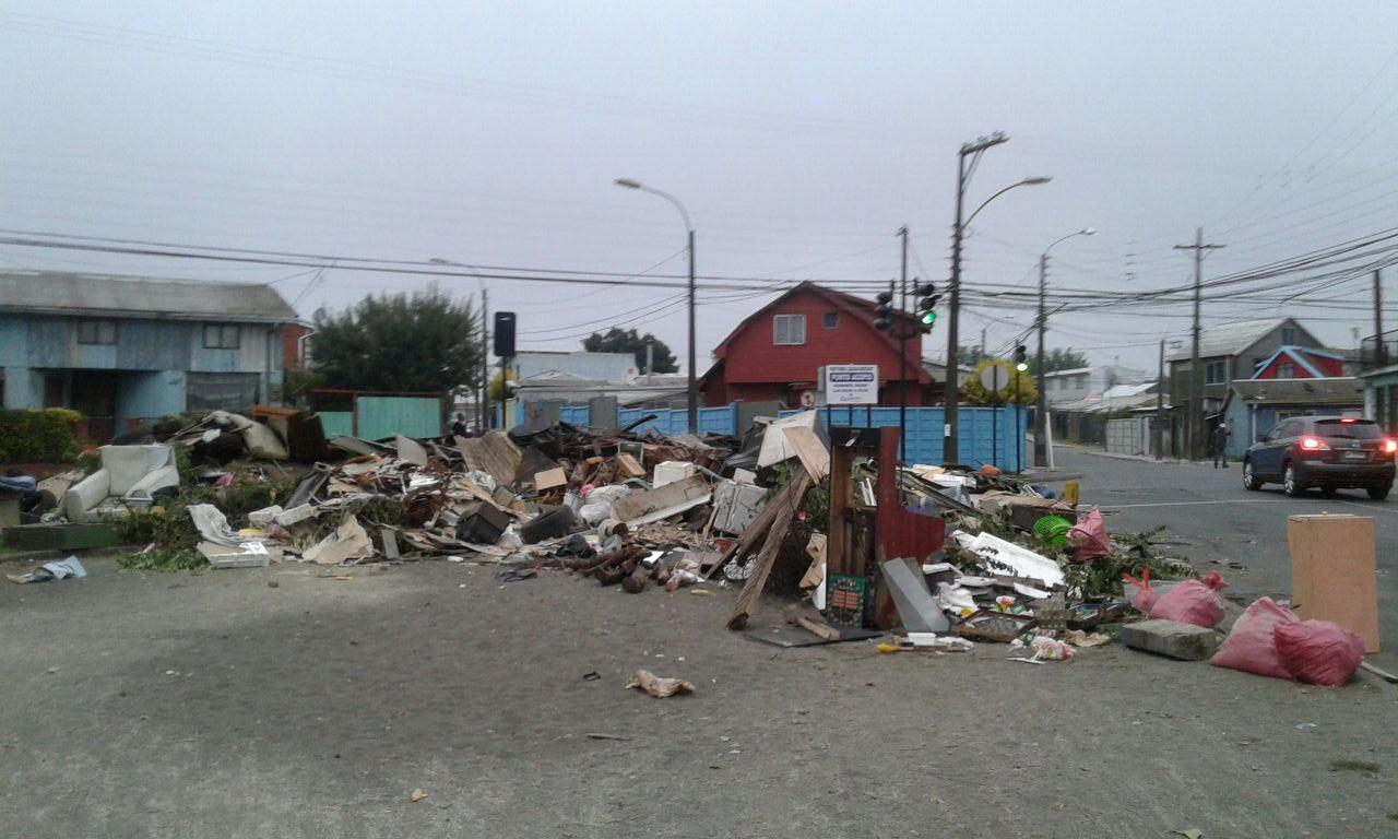 Escombros en Barrio Norte