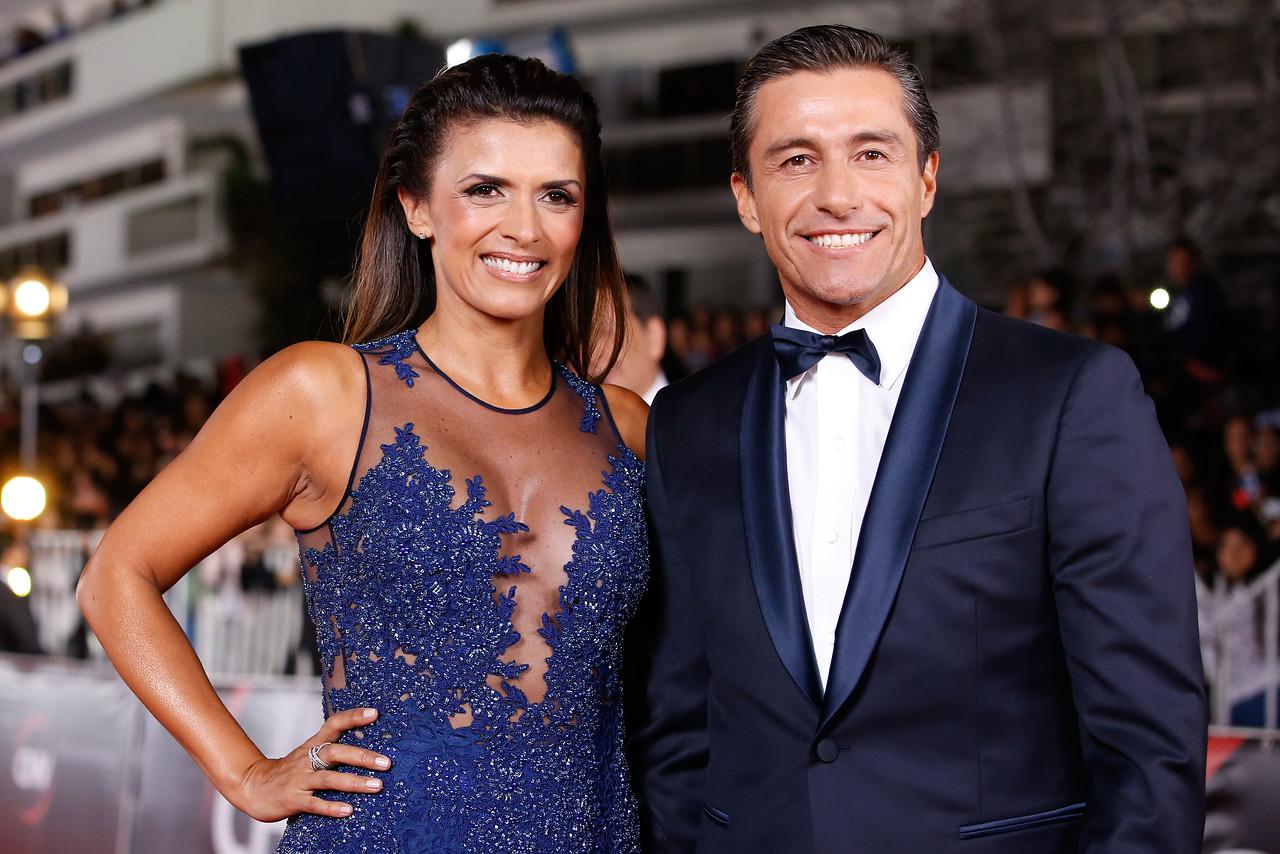 Ivette Vergara se luce con transparencias junto a elegante Fernando Solabarrieta
