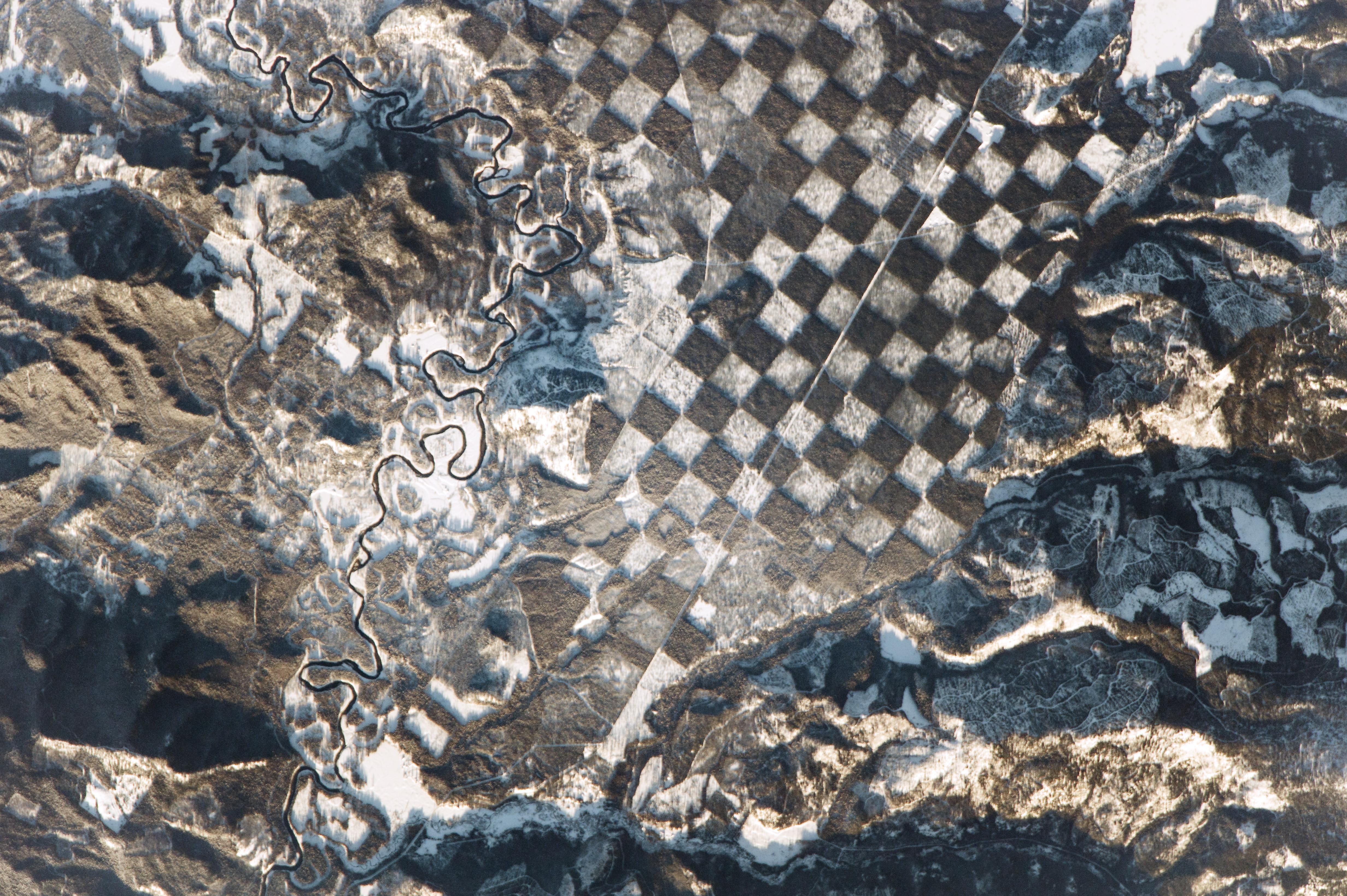 NASA capta un tablero de ajedrez en la superficie terrestre