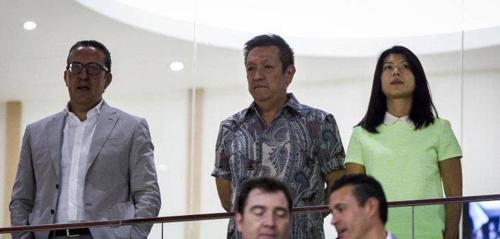 Peter Lim (al centro) | Archivo | Agence France-Presse