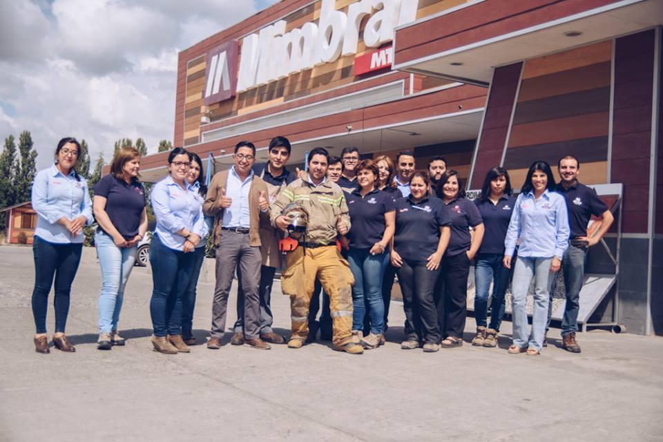 Premiación de trabajador bombero