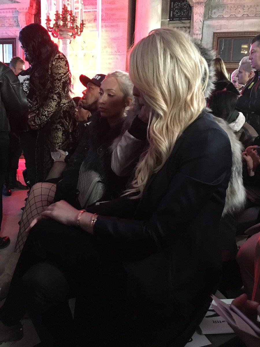 Nadie se quiso sentar junto a hija menor de Donald Trump en Semana de Moda de Nueva York