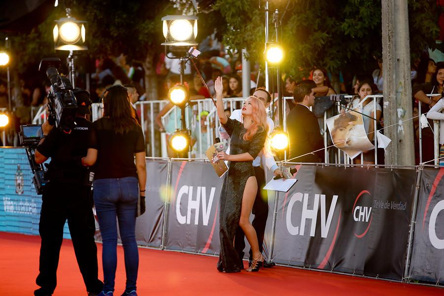 Vesta Lugg estrena nuevo look en previa de gala del Festival de Viña