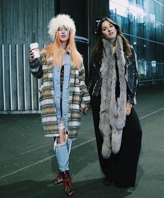 Kel Calderón y Vesta Lugg muestran sus look en la Semana de la Moda de París