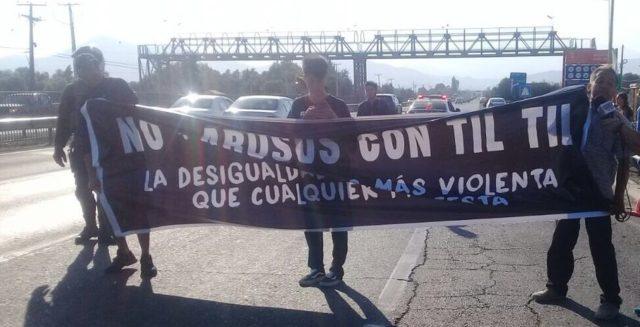 Vecinos de Til Til protestando