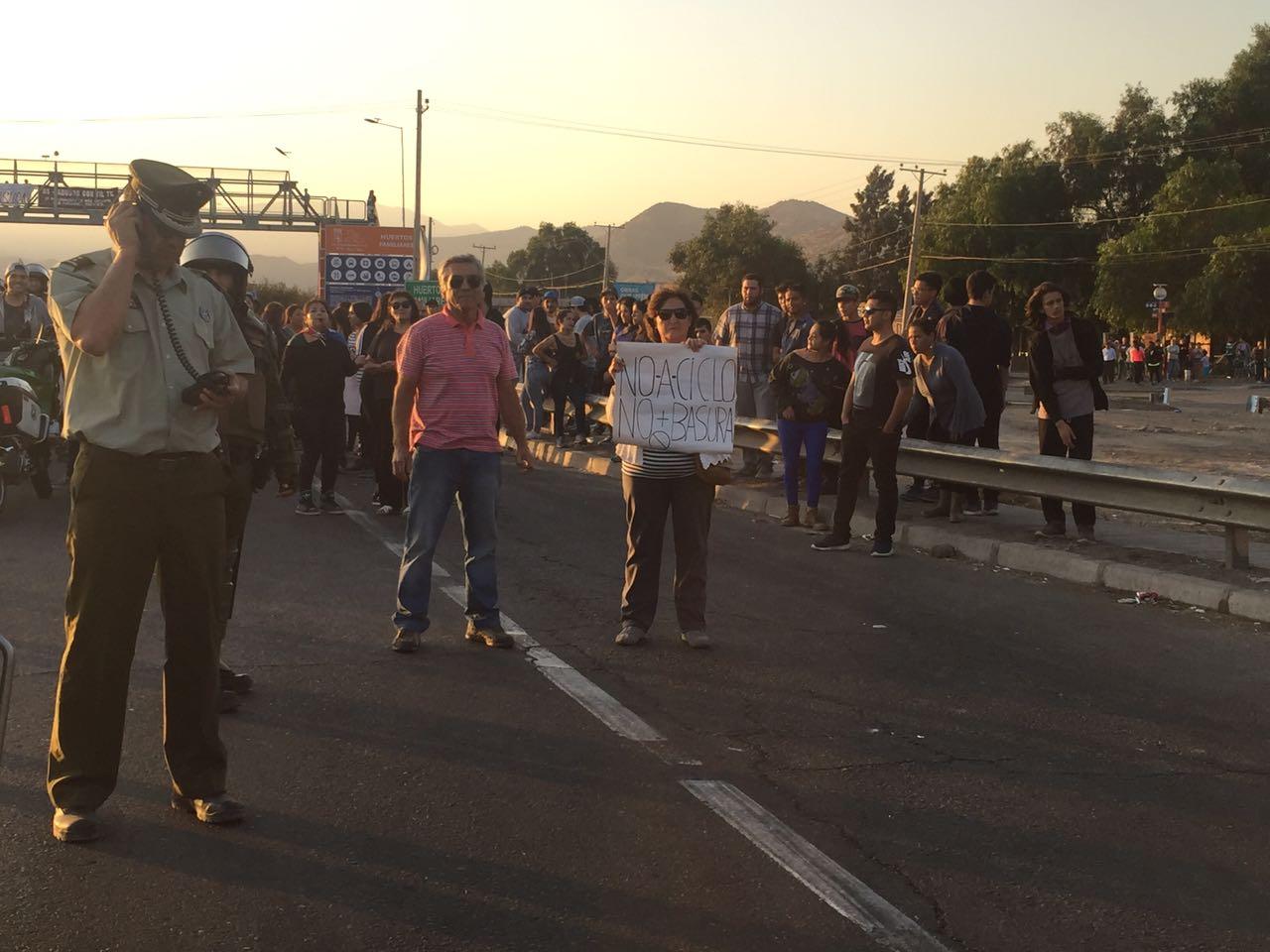 Protesta vecinos de Til Til