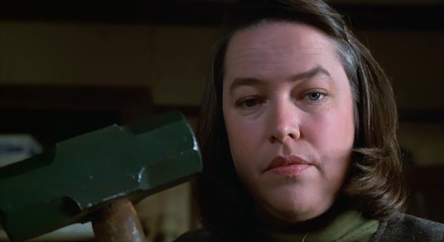 Kathy Bates como Annie Wilkes