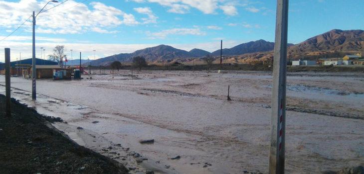 Paso del caudal del Rio por el pueblo del Salado   Yasna Moyano   Agencia UNO