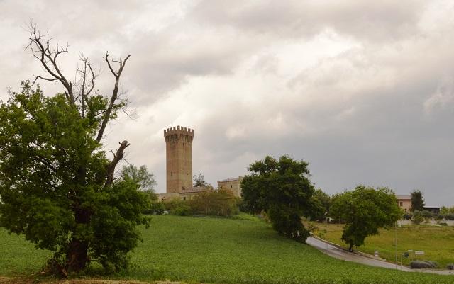 Castello di Montefiore, uno de los que se regalan   Agenzia Demanio
