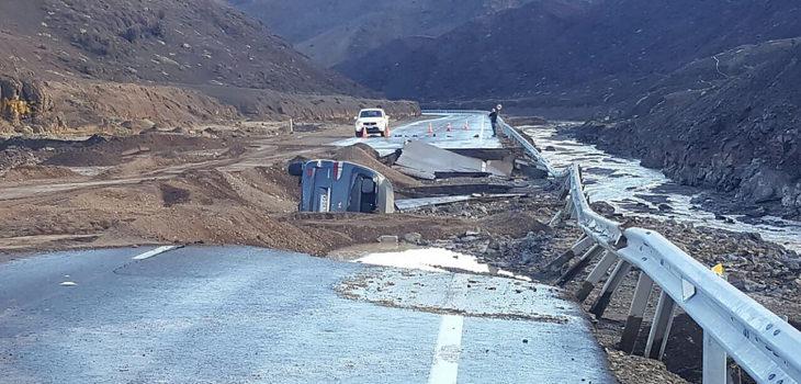 Ruta Tal Tal - Paposo con cortes por socavón   Agencia UNO