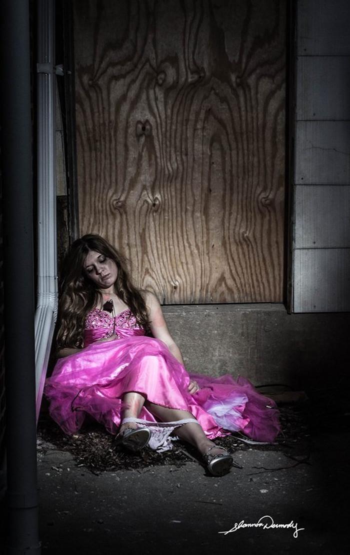 Aurora (Violación) | Shannon Dermody