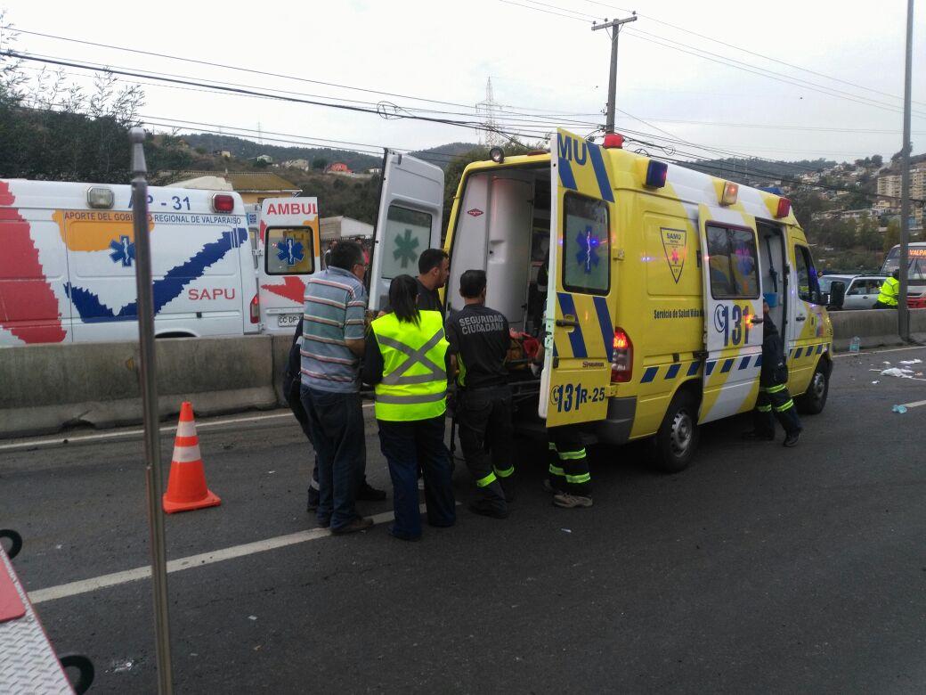 Nuevo volcamiento en Quilpué deja 4 heridos en Troncal Sur