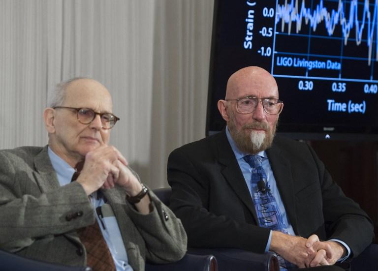 'Cazadores' de ondas gravitacionales reciben premio