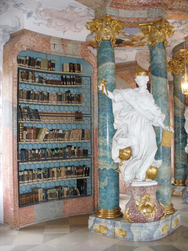 Biblioteca de la Abadía de Wiblingen   Wikimedia