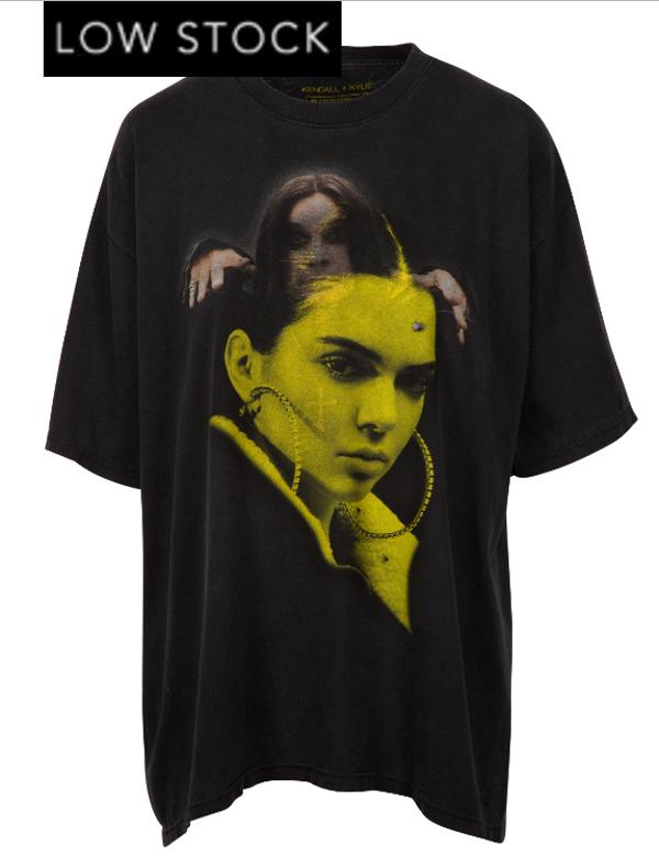 Kylie y Kendall Jenner retiran línea de camisetas tras protesta de artistas