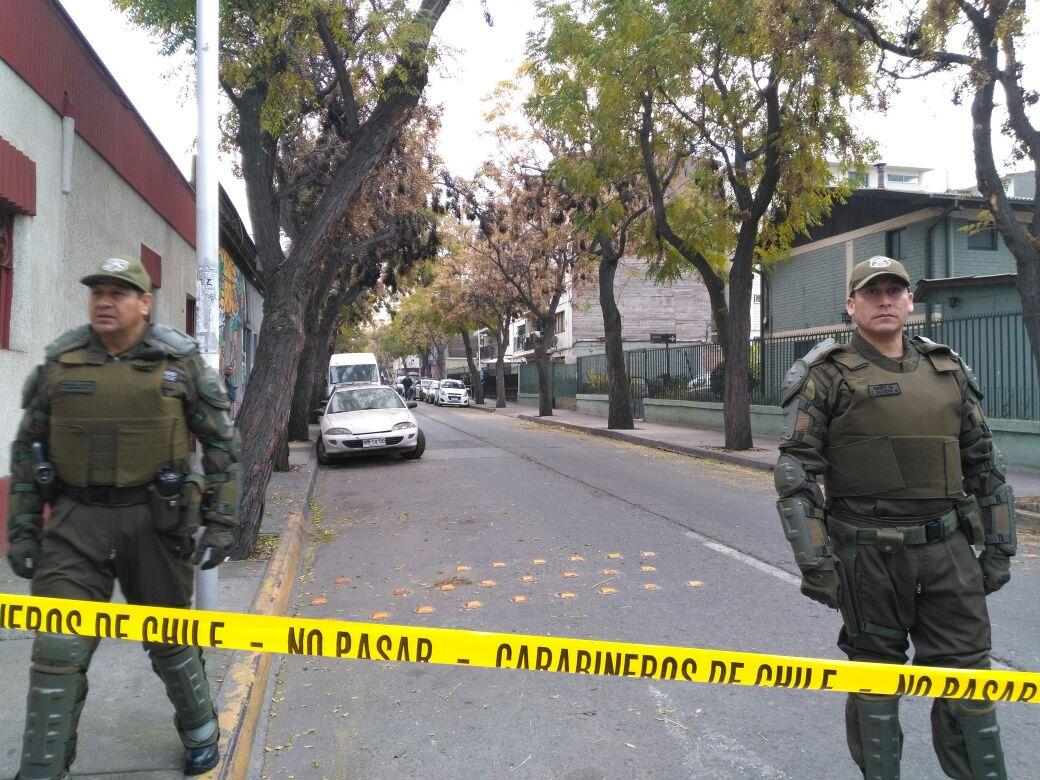 Carabinero fue baleado tras ser asaltado en Santiago