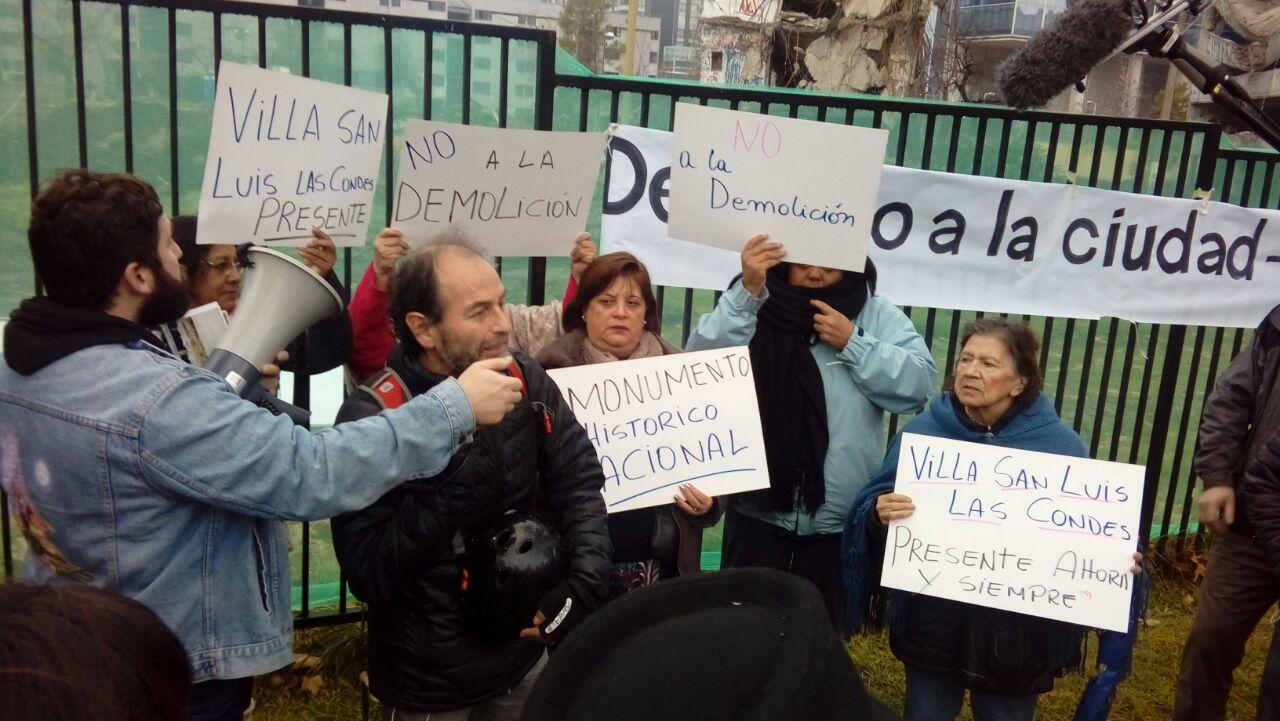 Lavín justificó demolición de villa San Luis y propuso