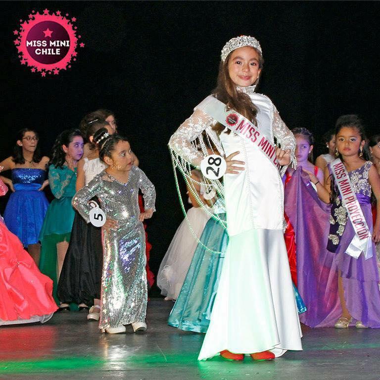 Catalina Briones | Miss Mini Chile en Facebook
