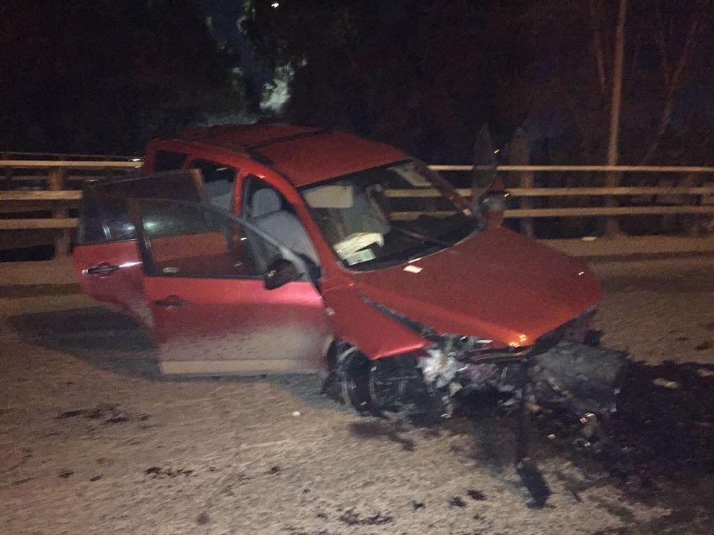 Dos carabineros resultaron lesionados tras chocar en una persecución policial