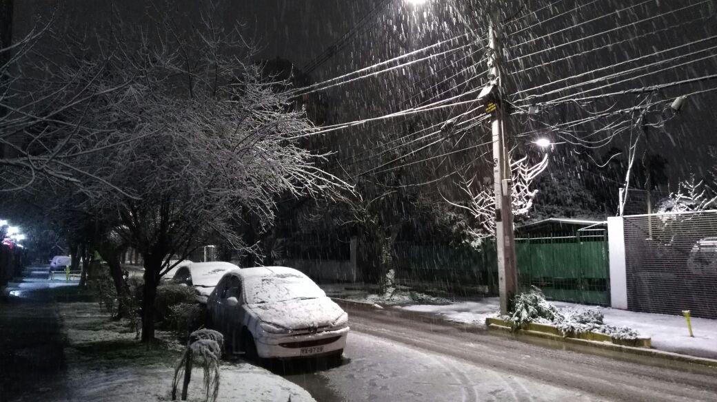 71 mil clientes continúan sin suministro eléctrico en la Región Metropolitana