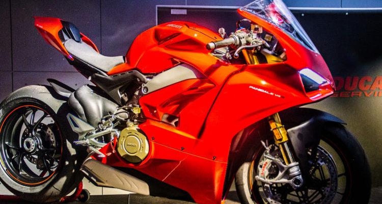 Ducati presentó los modelos de sus nuevas motocicletas y la primera producida en serie