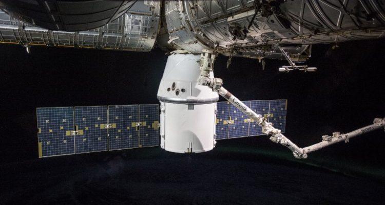 Cápsula Dragon tuvo un exitoso aterrizaje: trajo 1.800 kilos de equipo espacial