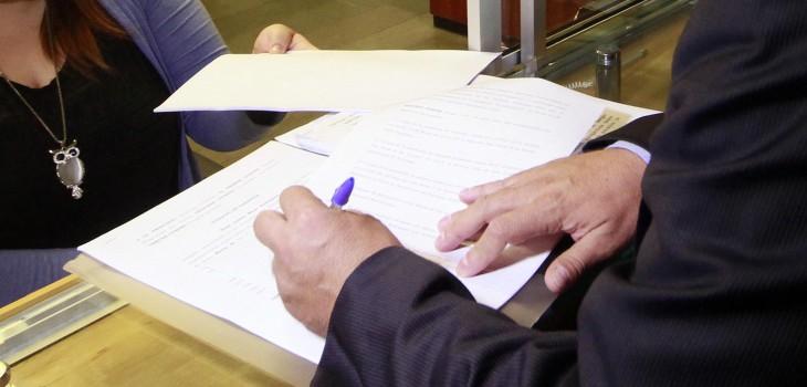 Autoridades de Bienes Nacionales en Los Lagos se reúnen con notarios para acabar con