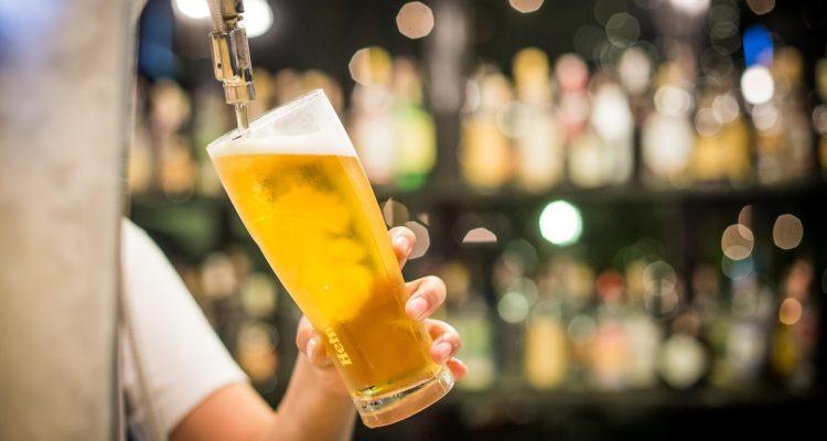Senda: Alcoholismo mata diariamente a 36 chilenos