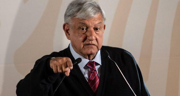 Presidente de México anuncia mayor vigilancia para evitar el robo de combustible tras escasez