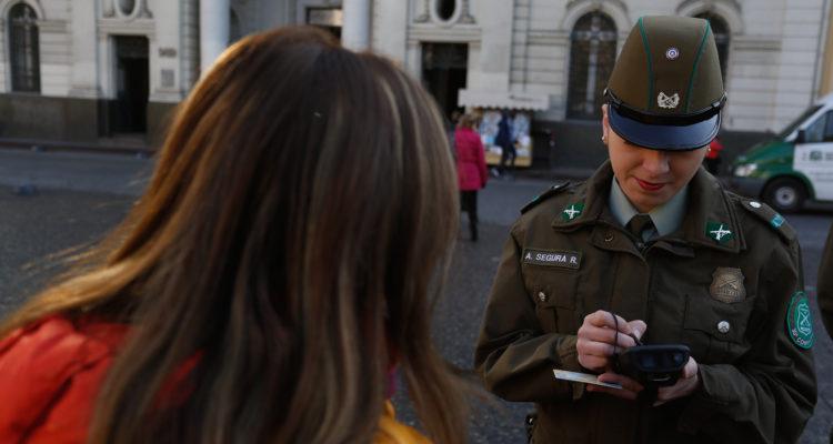 Control de identidad a menores: critican al Gobierno por intentar entregar más facultades a policías