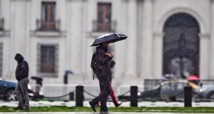 Onemi e Intendencia Metropolitana lanzaron Plan de Invierno: lluvias serían normales para la época
