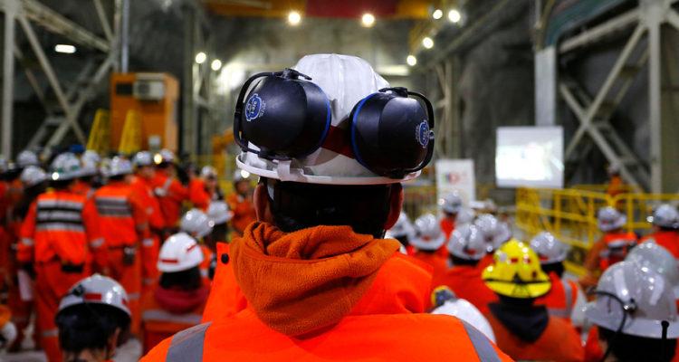 Codelco propone $13,7 millones a trabajadores en negociación: sindicatos de Chuquicamata lo rechazan