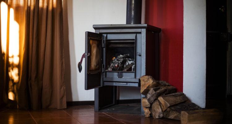 Más de 5.800 postulaciones se registran en Temuco y Padre Las Casas para recambio de calefactores