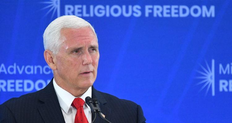 Mike Pence acusa a gobiernos de Venezuela y Nicaragua de atacar a la Iglesia Católica