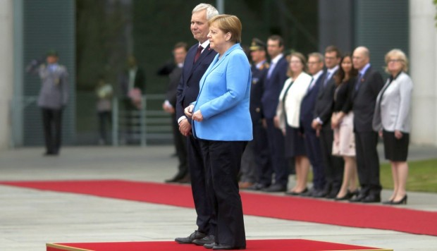 ¿Cómo se originan los temblores corporales como los de la canciller alemana Ángela Merkel?
